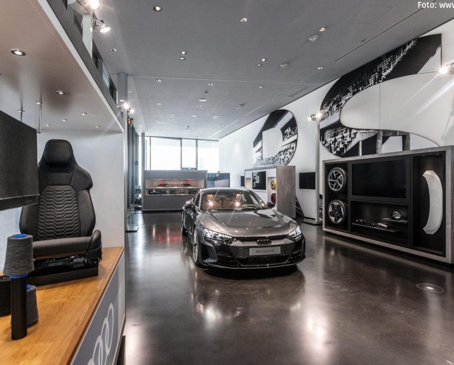 Virtuelle Produktpräsentation des Audi e-tron GT